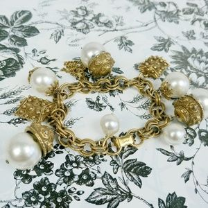 """Vintage CORO gold and pearl charm bracelet 7.5"""""""